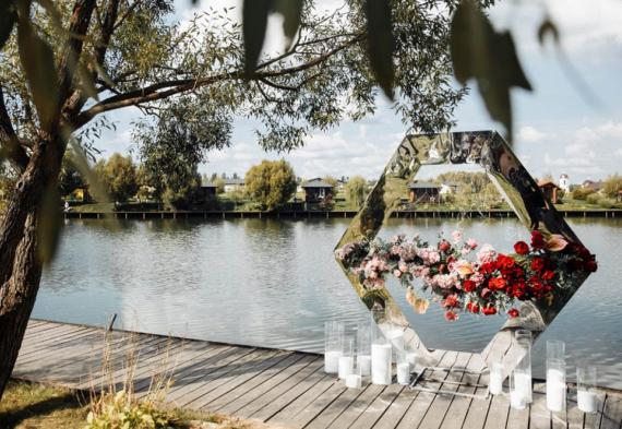 Панорамная беседка на свадьбу, зона выездной регистрации
