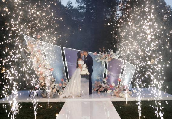 заказать холодный фонтан на свадьбу