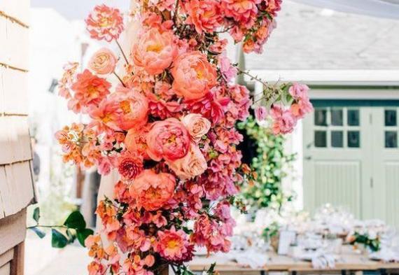 декор на коралловую свадьбу