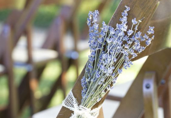 лаванда для резервирования мест на свадьбе
