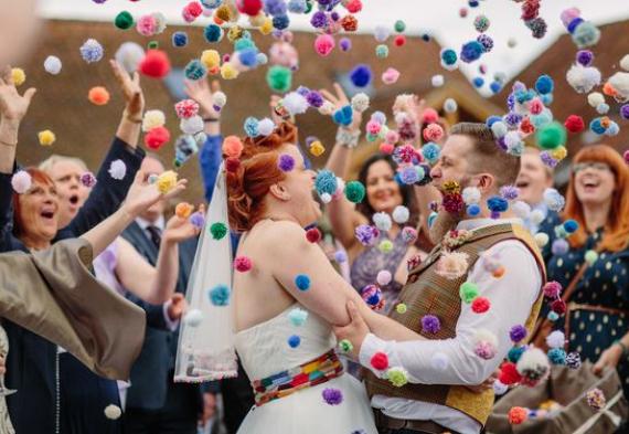 мини-помпоны на свадьбу