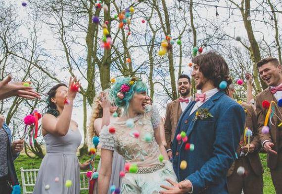 мини-помпоны для свадебной церемонии