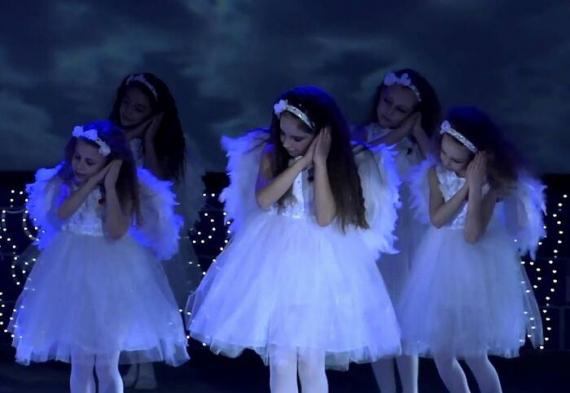 танец ангелочков на свадьбе