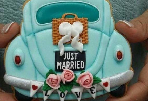 пряник в виде машины на свадьбу 4
