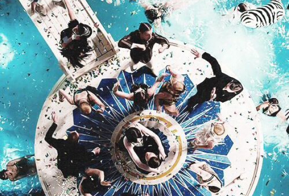 свадебная вечеринка в бассейне