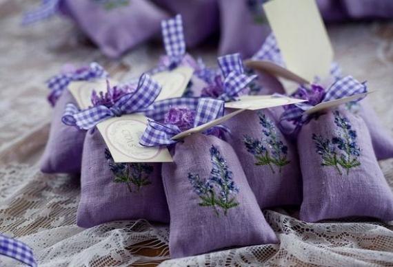 бонбоньерки с лавандой на свадебную церемонию