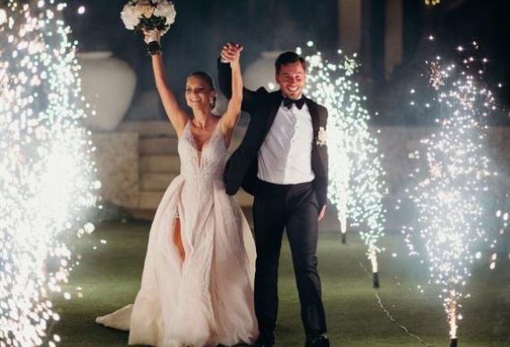 фонтан холодного огня для свадебного торжества