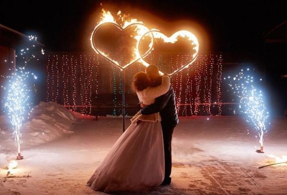 горящие сердца для свадебной церемонии