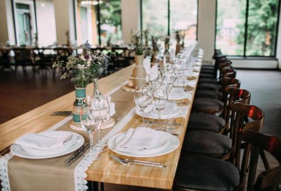 Свадебный банкет с панорамными окнами
