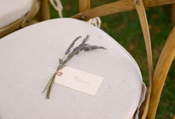 лаванда для резервирования мест на свадебной церемонии