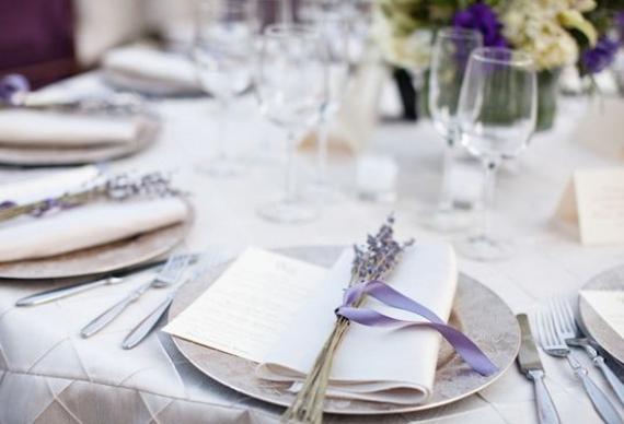 лаванда для сервировки свадебного стола