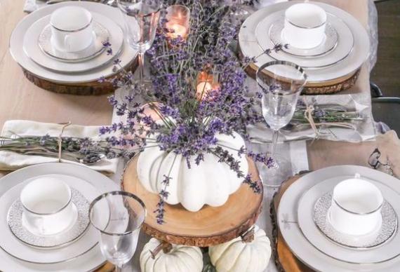 лаванда для украшения свадебного стола