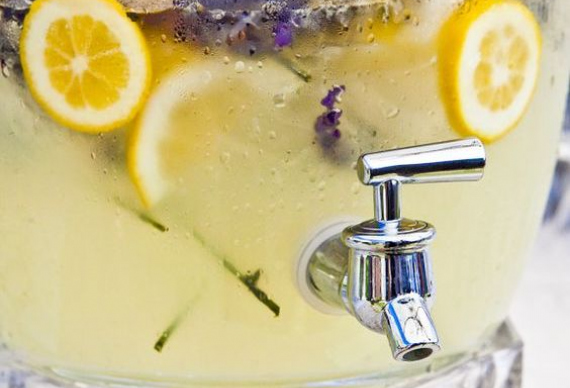 лавандовый лимонад для гостей