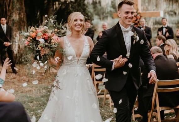 лепестки свадебный декор