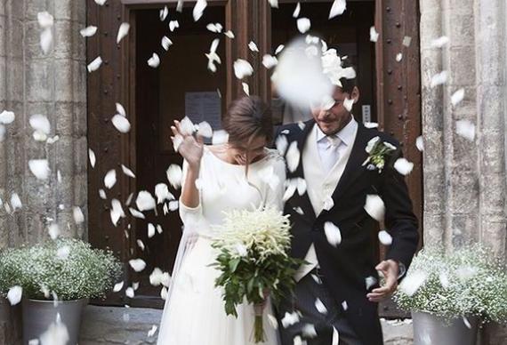 лепестки для свадебной церемонии