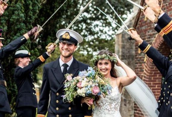 свадебная церемония мечи