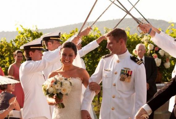 мечи на свадебной церемонии