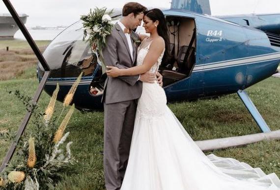 появление на свадебной церемонии на вертолете