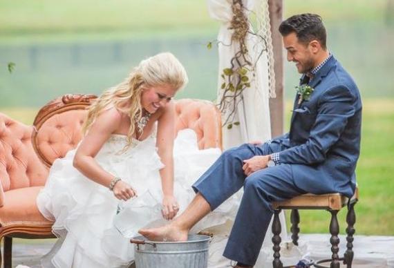 омовение ног невеста жених