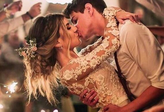 поцелуй на свадьбе