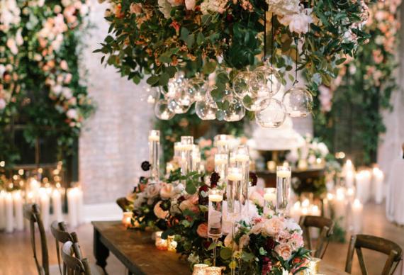 ретро гирлянда со свисаниями в свадебном декоре