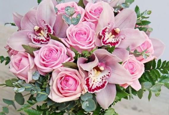 букет на розовую свадьбу
