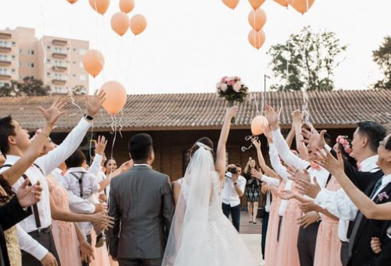воздушные шары для встречи молодоженов