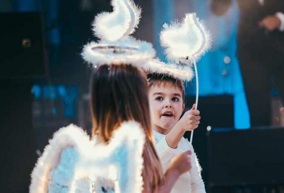 танец ангелочков на свадебной вечеринке