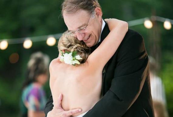 танец дочери и папы
