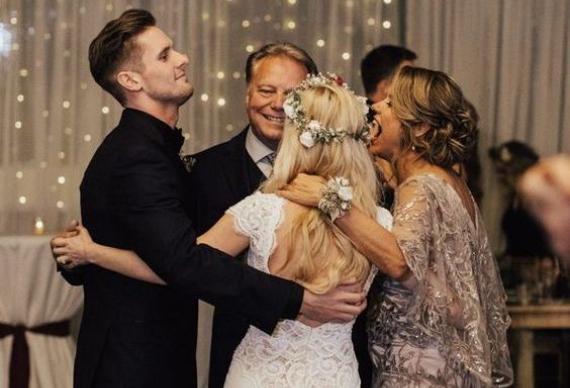 семейный танец на свадьбе