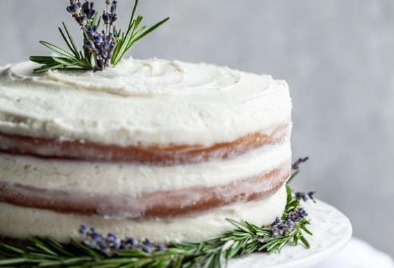 свадебный торт из лаванды