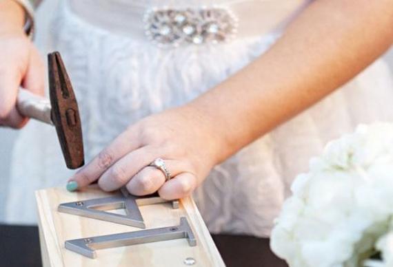 запечатывание вина на свадьбе