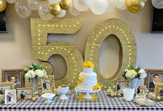 декор на золотую свадьбу
